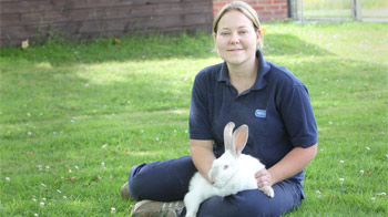 Portrait of Animal Care Assistant Anna Lindley © Philip Toscano/RSPCA photolibrary