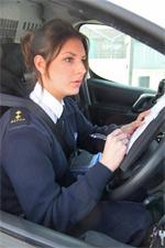 Inspector Maxine Jones in van © RSPCA photolibrary