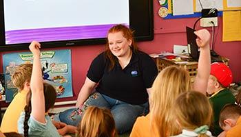 Volunteer speaker in schools