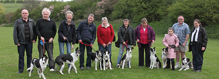 Rescued collies with new owners, Inspector and Police Sergeant © RSPCA Photolibrary