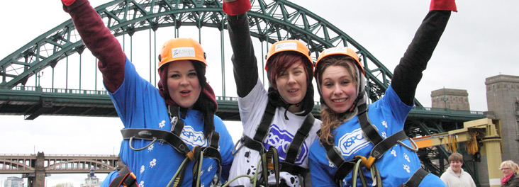 Fundraisers in front of Tyne Bridge, Newcastle © RSPCA photolibrary